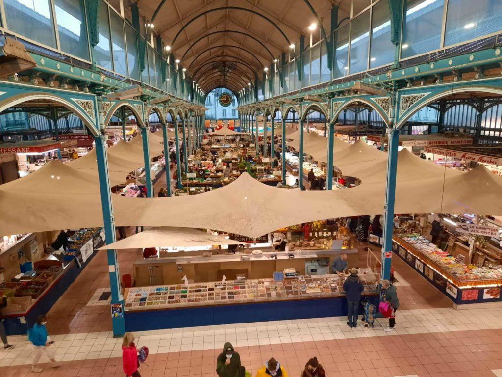Photo des halles de Dijon où vous pouvez retrouver le stand de Côté Colombo